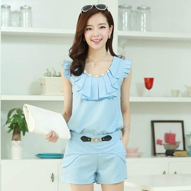 ชุดเดรสแฟชั่นเกาหลี ชุดเดรสแฟชั่นน่ารัก ชุดเชตเสื้อคอกลมแขนกุด + กางเกงขาสั้น ( M, L, XL )