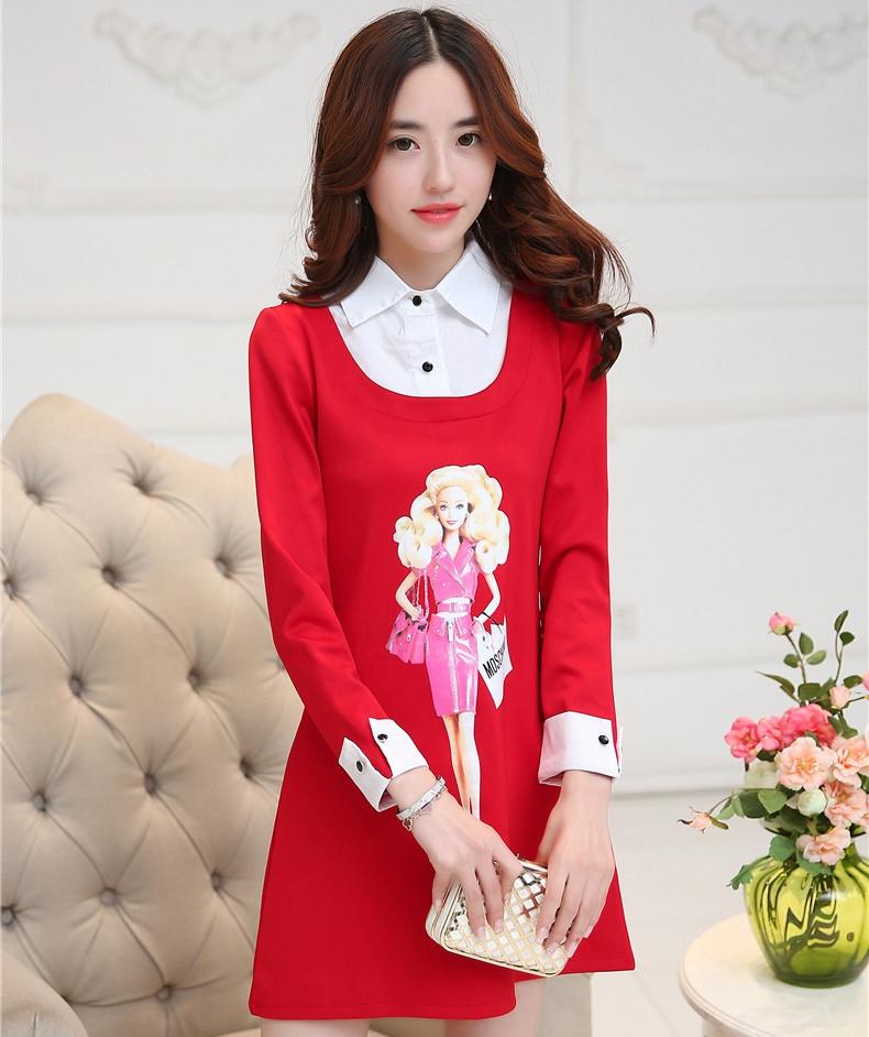 ชุดเดรสสั้นสีแดง คอปกสีขาว ปลายแขนพับขึ้น ด้านหน้าพิมพ์ลายตุ๊กตาน่ารักๆ แนวเกาหลี