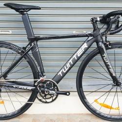 จักรยานเสือหมอบ Twitter C4 (ซีโฟร์) เฟรมอลูมิเนียม สีดำ ชุดเกียร์ Shimano 105 22 Speef ไม่กรุ๊ปเซ็ต ดุมล้อแบริ่ง กระโหลกกลวง