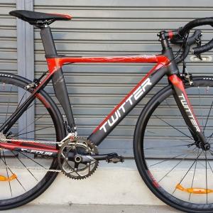 จักรยานเสือหมอบ Twitter C4 (ซีโฟร์) เฟรมอลูมิเนียม สีดำแดง ชุดเกียร์ Shimano 105 22 Speef ไม่กรุ๊ปเซ็ต ดุมล้อแบริ่ง กระโหลกกลวง