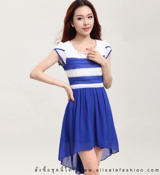 ชุดเดรสสั้นสีน้ำเงิน ขาว ลายขวาง แขนสั้น กระโปรงหน้าสั้น-หลังยาว แนวเกาหลีสวยๆ ใส่เป็นชุดลำลอง ชุดทำงาน ชุดไปงานแต่งงาน