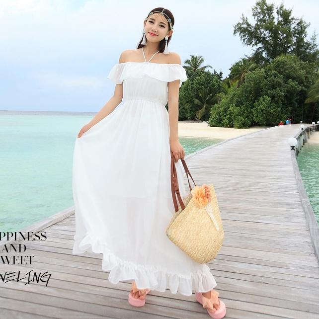 ชุดไปเที่ยวทะเล เดรสยาวสีขาวเปิดไหล่ ผ้าชีฟอง เอวยืด เสื้อผ้าแฟชั่นชุดเที่ยวทะเลสวยๆ น่ารักๆ
