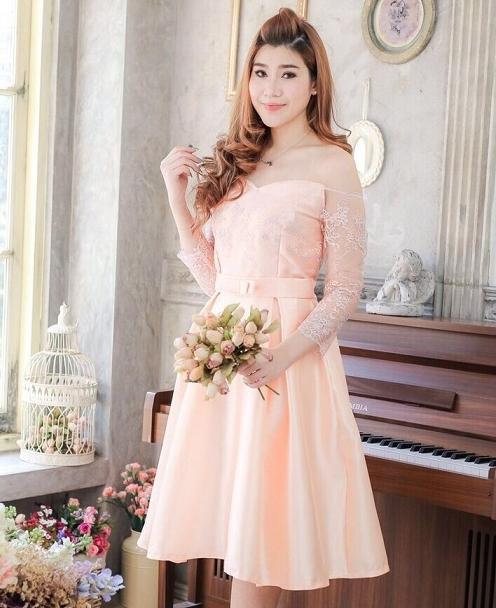 ชุดเดรสสวยหรูสีโอรส ออกงาน ไปงานแต่งงาน เปิดไหล่ แขนยาว กระโปรงทรงบาน ลุคสวยหวาน ราคาถูก