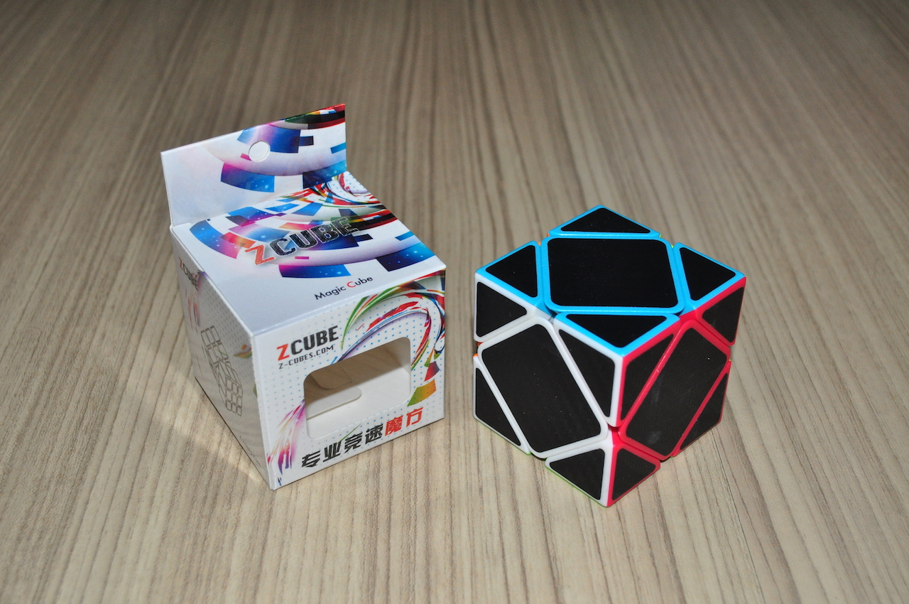 Z-Cube Skewb with black carbon-fibre stickers - Stickerless