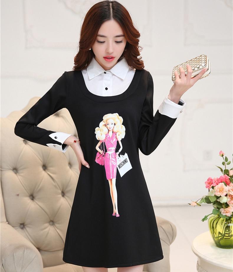 ชุดเดรสสั้นสีดำ คอปกสีขาว ปลายแขนพับขึ้น ด้านหน้าพิมพ์ลายตุ๊กตาน่ารักๆ แนวเกาหลี