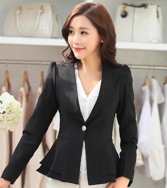 เสื้อสูททำงานผู้หญิงสีดำ ทรงสวย ชายเสื้อแต่งระบายสองชั้น ติดกระดุม แขนยาว