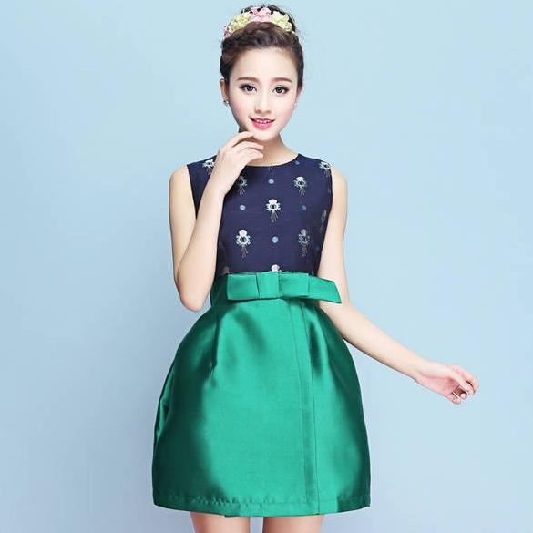 ชุดเดรสทำงานสีเขียวแนวเรียบร้อยสวยหวาน แฟชั่นชุดทำงานสาวออฟฟิศดูดีมีสไตล์