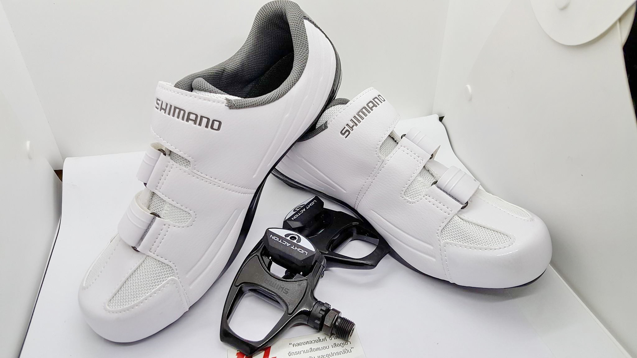 Combo Shimano Set รองเท้ารุ่น RP3 White รับทันที บันไดคลีตรุ่น R540 Light Action
