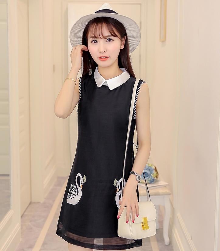ชุดเดรสสั้นสีดำ คอปก แขนกุด พิมพ์ลายห่านคู่น่ารักๆ แฟชั่นสวยๆสไตล์เกาหลี