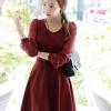 ชุดเดรสทำงานแฟชั่นสไตล์เกาหลี ชุดแซกกระโปรงสั้นสีแดงเข้ม ผ้าเนื้อทราย เนื้อผ้ายืดได้นิดหน่อย แขนยาวผ้าชีฟอง