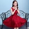 ชุดเดรสออกงานสีแดง ผ้าลูกไม้เกรดพรีเมี่ยม คอกลม แขนกุด เอวแต่งดอกไม้ ลุคสวยหวานสไตล์เจ้าหญิง น่ารัก