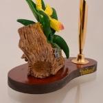 ของพรีเมี่ยม ที่เสียบปากกา กล้วยไม้เหลือง ขนาดกว้าง 12.5 ซม. สูง 10 ซม.