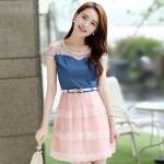 ชุดเดรสสั้นแฟชั่นเกาหลี สีชมพู เสื้อแต่งเป็นผ้ายีนส์เย็บต่อด้วยกระโปรงผ้าแก้ว เป็นชุดเดรสแนวหวานน่ารัก สวย เรียบร้อย ดูดี ( S M L XL )