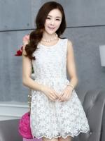 ชุดเดรสน่ารักแฟชั่นเกาหลี เดรสสั้นสีขาว ปักลายดอกไม้ คอกลม แขนกุด เอวเข้ารูป กระโปรงทรงสุ่ม S M L XL