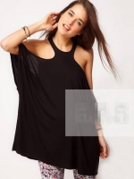 เสื้อยืดแฟชั่นสีดำ เว้าไหล่ แขนกว้าง น่ารัก