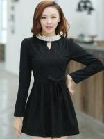 ชุดเดรสสั้นแฟชั่นเกาหลี มินิเดรสสั้นสีดำ คอปักมุก แขนยาว เป็นชุดเดรสสวยๆ แนวหวานน่ารัก เรียบร้อย ดูดี สามารถใส่ออกงานได้ ( M L XL )