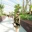 ชุดเดรสสั้นสีดำ ปักลายสวยเก๋สีทอง ทรงตรงเข้ารูป แขนกุด สวยดูดีสไตล์เกาหลี thumbnail 2