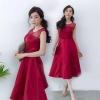 ชุดออกงาน ชุดไปงานแต่งงานสีแดง สวยหรู ผ้าไหมอิตาลี แขนกุด