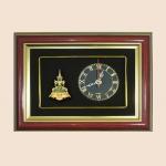 ของพรีเมี่ยม กรอบนาฬิกาลายพระแก้วมรกตเครื่องทรงฤดูร้อน (ขนาด : 9 x 7 นิ้ว)