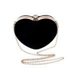 กระเป๋าออกงานสีดำ ทรงหัวใจ วัสดุผ้ากำมะหยี มีหูถือ+สายสะพายข้าง น่ารัก