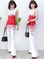 จั๊มสูทขายาวสีขาวพิมพ์ลายกลีบดอกกุหลาบแดง น่ารัก