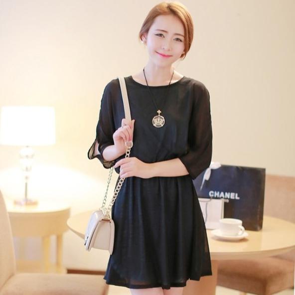 ชุดเดรสสั้นแฟชั่นเกาหลี สีดำ ผ้าชีฟอง คอกลม เอวยืด แขนสามส่วนเก๋ๆ เป็นชุดเดรสสวยหวาน น่ารัก ดูเรียบร้อย ,ชุดไปงานศพสวยๆ ( M L)