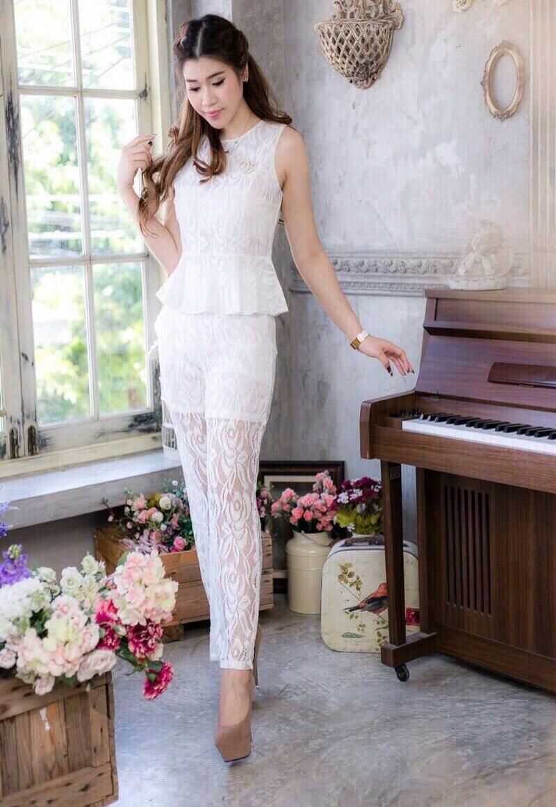 ชุดออกงาน/ชุดไปงานแต่งงานสวยๆ สีขาว เซ็ทเสื้อ+กางเกง ผ้าลูกไม้ สวยหวาน หรู เรียบๆ