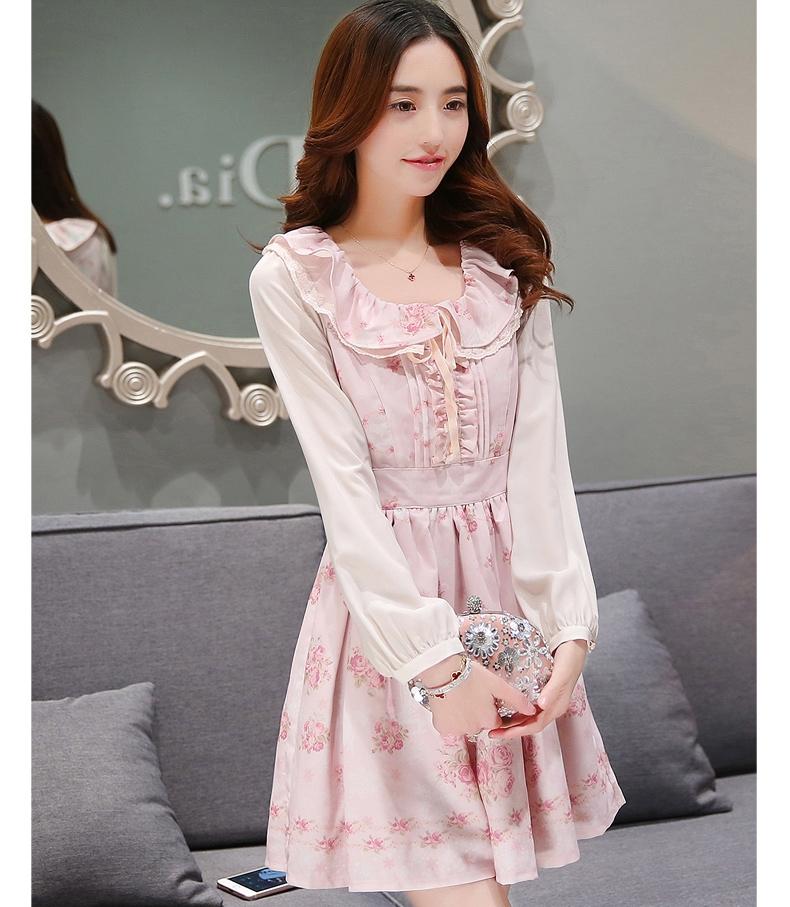 ชุดเดรสสั้นสีชมพู ลายดอกไม้ คอระบาย แขนยาว แนวเกาหลีสวยหวาน น่ารักๆ แนววินเทจย้อนยุค