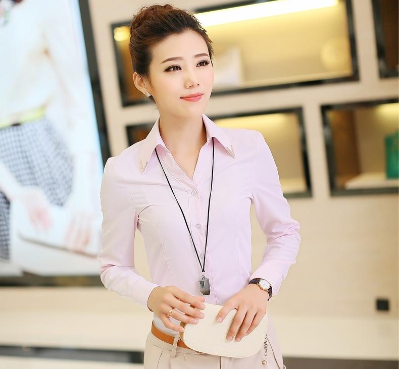 เสื้อเชิ้ตทำงานสีชมพู แขนยาว คอปก กระดุมหน้า เอวเข้ารูป เรียบง่าย