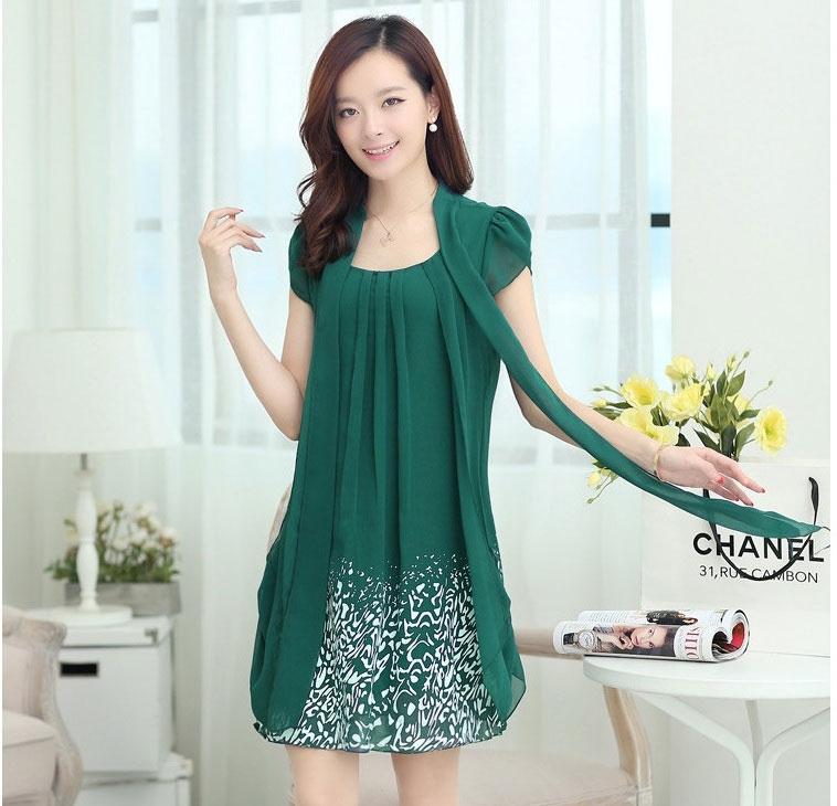 ชุดเดรสสั้นสีเขียว แขนสั้น ผ้าชีฟอง ช่วงกระโปรงพิมพ์ลายสีขาว สวยหรู