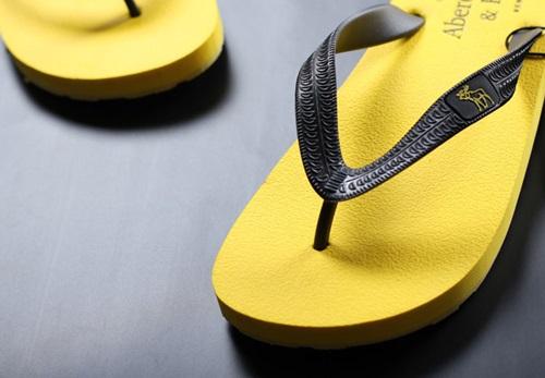 รองเท้า แตะผู้ชาย Abercrombie & Fitch (AF) สีเหลือง ไซส์ 40 - 43