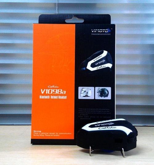 บูลทูธติดหมวกกันน๊อค Vimoto Bluetooth V1098a ดำขาว