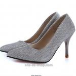 รองเท้าส้นสูง ส้นแหลม หัวแหลม หนังกากเพชร สีเงิน (Pre)